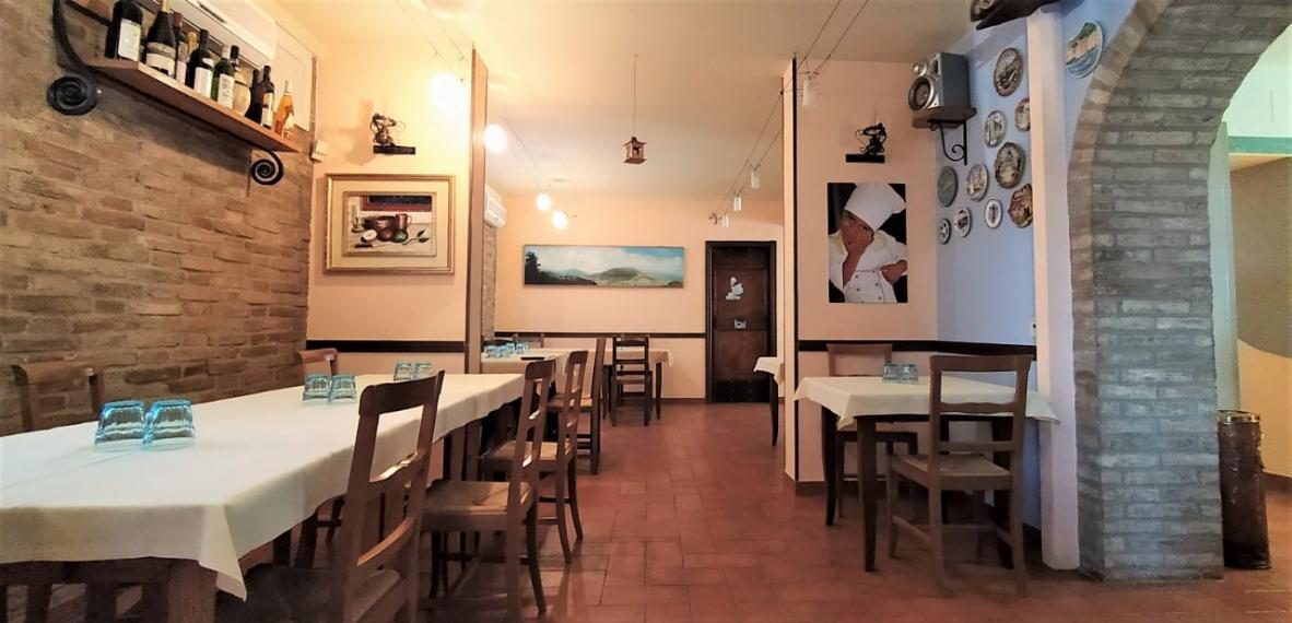 Cartoceto - ristorante pizzeria in vendita