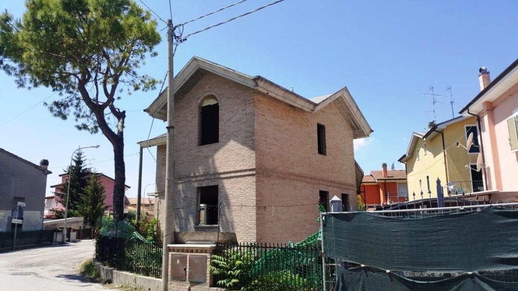 Fano - zona s.orso - unifamiliare villa in vendita