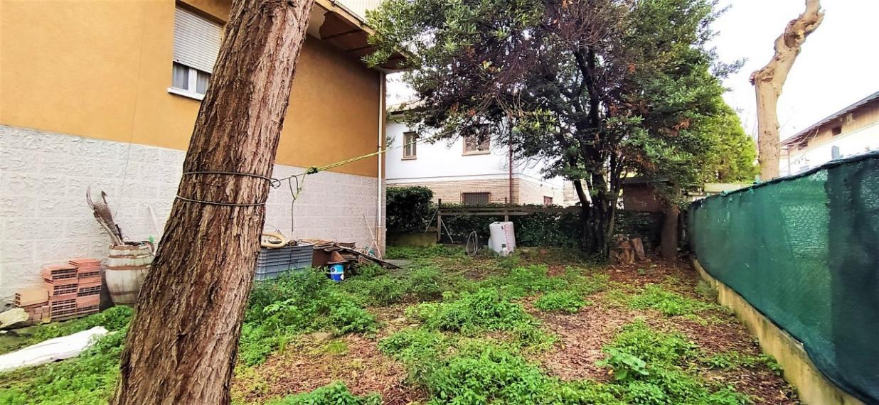 Fano - zona passeggi - unifamiliare casa singola in vendita