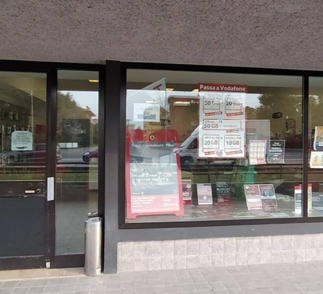 Fano - zona flaminio - locale commerciale negozio in locazione