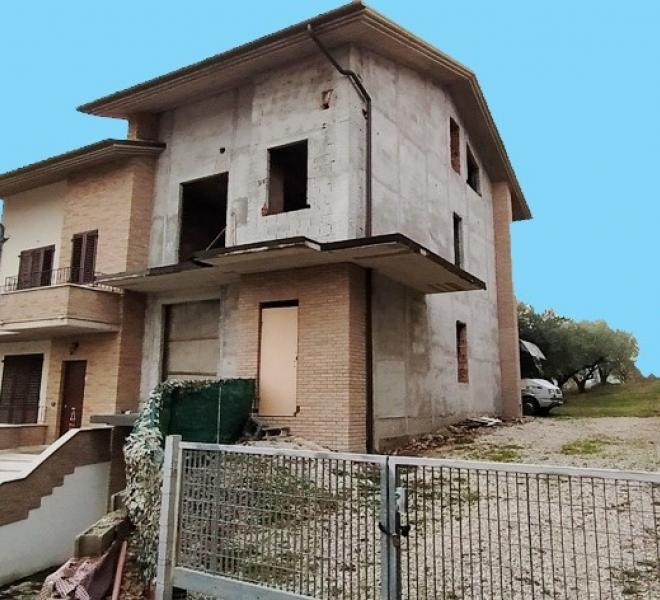 Colli al metauro - zona - unifamiliare semindipendente in vendita