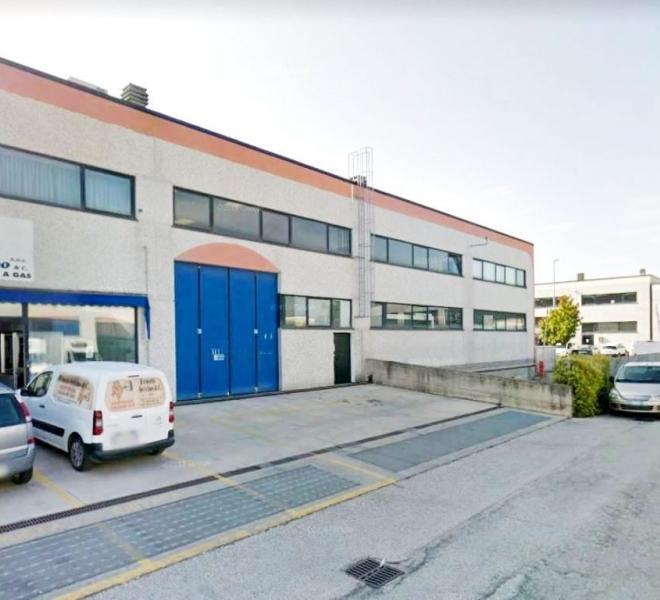 Fano - zona zuccherificio - capannone in vendita