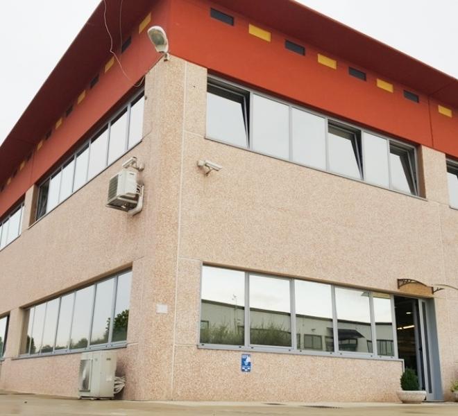 Cartoceto - zona pilone - capannone in vendita