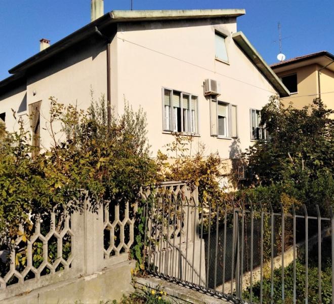 Fano - zona sassonia - unifamiliare casa singola in vendita