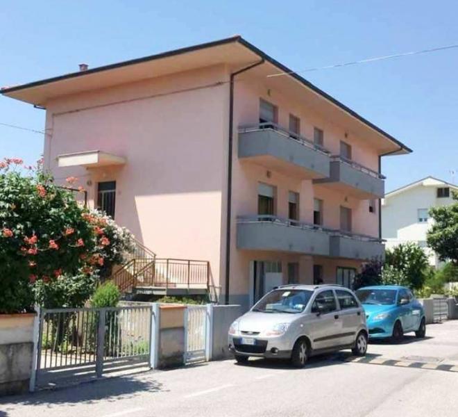 Mondolfo - zona - schiera centrale in vendita