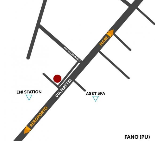 Fano - zona zuccherificio - magazzino in locazione