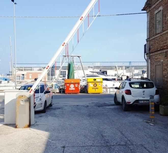 Fano - zona porto - magazzino in vendita