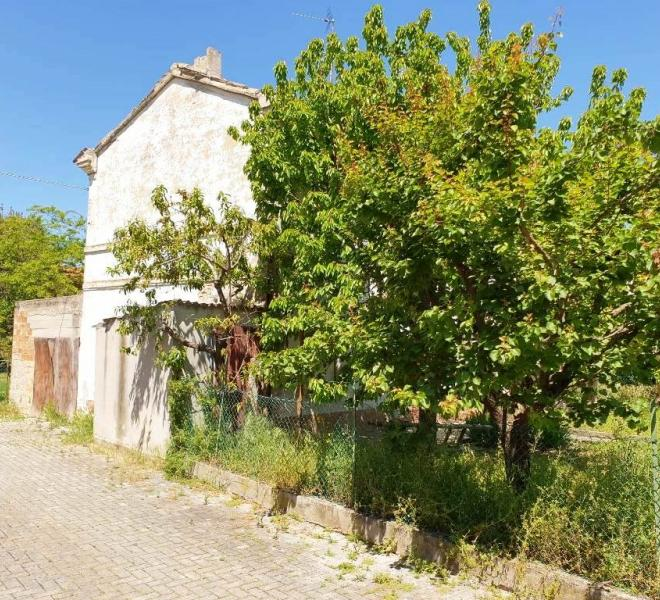 Fano - zona bellocchi - unifamiliare semindipendente in vendita
